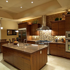 contemporary kitchen by Marteen Moore Interior Planning