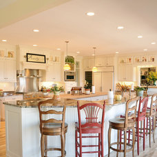 Traditional Kitchen by Van's Lumber & Custom Builders, Inc.