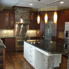 Modern Kitchen by Otero Signature Homes