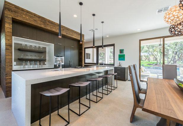 Современный Кухня by Unico Design Cabinetry, LLC