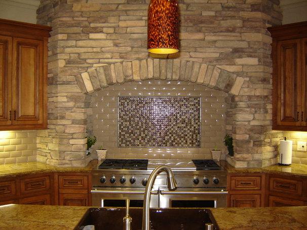Traditional Kitchen by Creative Eye Design + Build, LEED AP, CGBP
