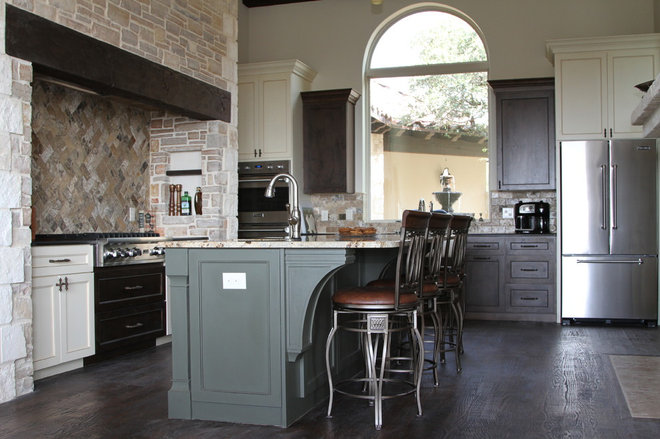 Traditional Kitchen by Unico Design Cabinetry, LLC