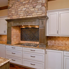 Rustic Kitchen by First Choice Custom Homes