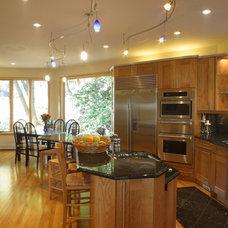 Kitchen by O'Sullivan Architects, Inc