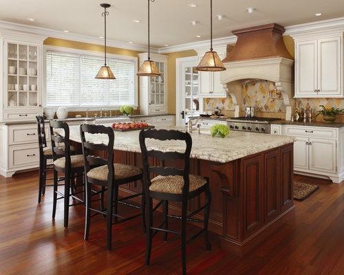 Inspiration For A Large Timeless U Shaped Dark Wood Floor Eat In Kitchen  Remodel