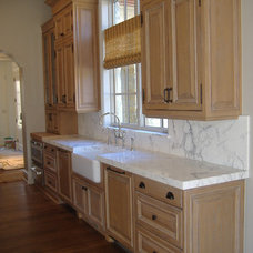 Traditional Kitchen by The KitchenWright