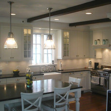 Traditional Kitchen by TR Knapp Architects