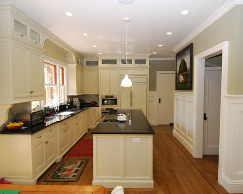Wainscoting Kitchen | Houzz