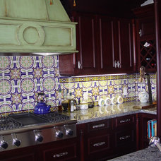 Mediterranean Kitchen by RAFAEL DAVILA