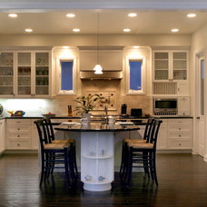 Traditional Kitchen by Stratton woodworks