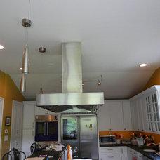 Modern Kitchen by Prizer Hoods