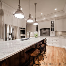 contemporary kitchen by Veranda Estate Homes & Interiors
