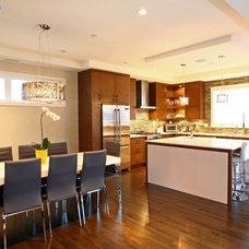 Modern Kitchen by Odenza Homes Ltd