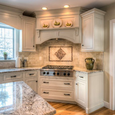 Traditional Kitchen by Pridecraft Inc