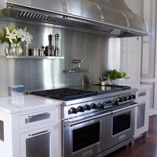 Inspiration For A Timeless Kitchen Remodel In New York With Stainless Steel Liances Marble Countertops