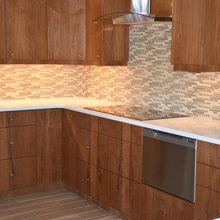 Свежая идея для дизайна: кухня в скандинавском стиле - отличное фото интерьера