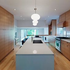 Contemporary Kitchen by South Park Design Build