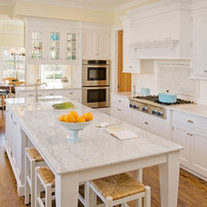 Traditional Kitchen by Homes Heart Designs