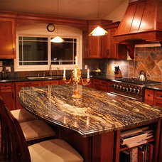 Kitchen Cabinets by CabinetNow
