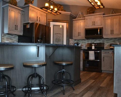 Cucina shabby chic style con pavimento in vinile foto e idee per