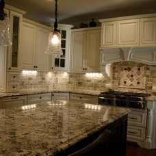 Traditional Kitchen by Home Interior Woodworks