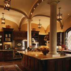 Traditional Kitchen by Richard Drummond Davis Architects