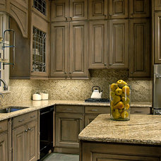 Traditional Kitchen by The Kitchen Source