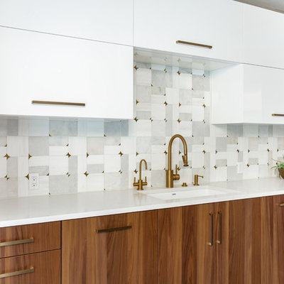 Eat-in kitchen - huge modern u-shaped porcelain tile and gray floor eat-in kitchen idea in Dallas with a single-bowl sink, flat-panel cabinets, medium tone wood cabinets, quartz countertops, gray backsplash, marble backsplash, stainless steel appliances and white countertops