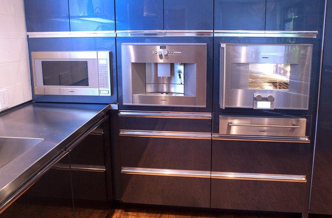 Modern Kitchen by Kitchen Design Concepts