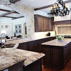 Traditional Kitchen by Emily Johnston Larkin