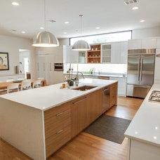 Modern Kitchen Dallas Renovation