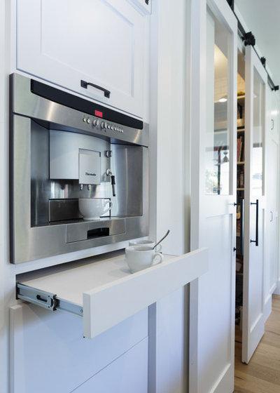 Современная классика Кухня by Von Fitz Design