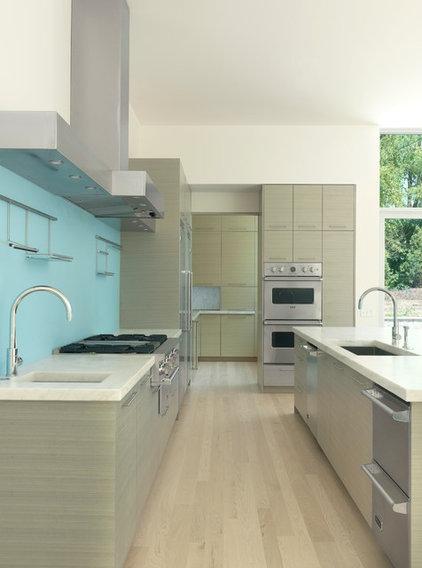 Modern Kitchen by Studio Durham Architects