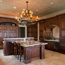 Traditional Kitchen by Wayne Windham Architect, P.A.