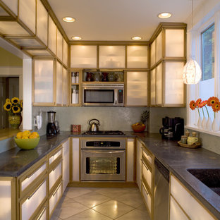 Superbe Example Of A Trendy Kitchen Design In Other With Stainless Steel Appliances