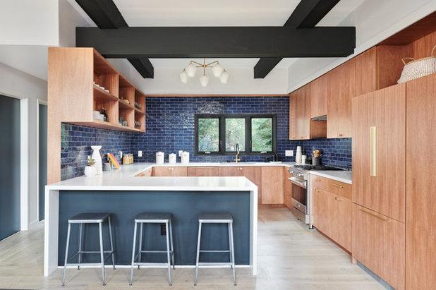 Midcentury Kitchen by Konstrukt Photo