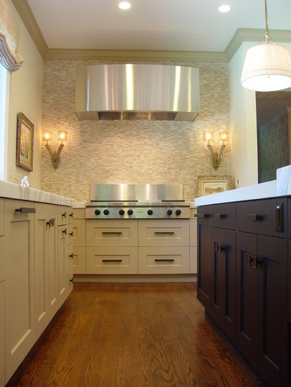 transitional kitchen by Home Systems , Wendi Zampino