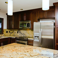Tropical Kitchen by BY DESIGN Builders