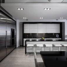 Modern Kitchen by M.Teixeira Soapstone