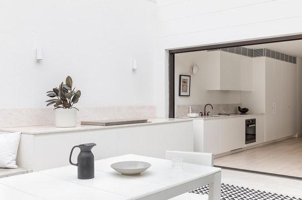 Modern Kitchen by TomMarkHenry