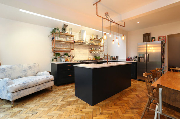 Industrial Kitchen by Plus Rooms