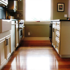 Traditional Kitchen by Phinney Ridge Cabinet Company