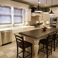 Traditional Kitchen by Lamar Design