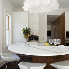 modern kitchen by David  Duncan Livingston