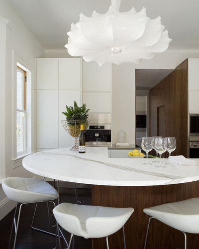 Modern Kitchen by David  Duncan Livingston