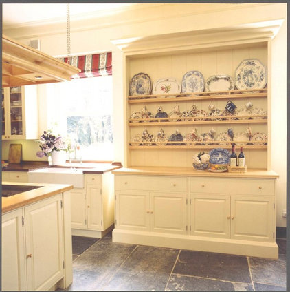 traditional kitchen by Tim Wood Limited