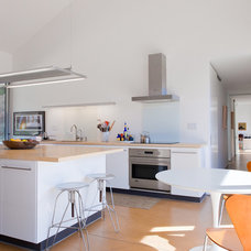 Contemporary Kitchen by Graham Dunn Photo
