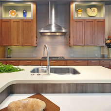 Modern Kitchen by Nar Fine Carpentry, Inc./Design.Build.Cabinetry