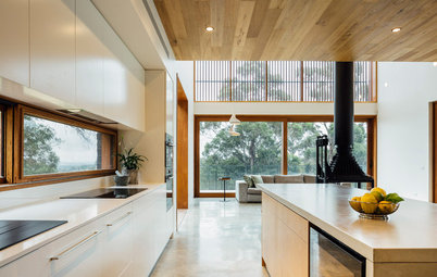 Houzz Tour: Home Away From Home for an Irish Family in Australia