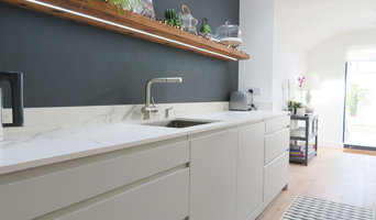 Daylight Grey Lacquered Kitchen with an Eclectic Twist
